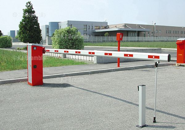 Fadini HydraulicTraffic Barrier, Somerset